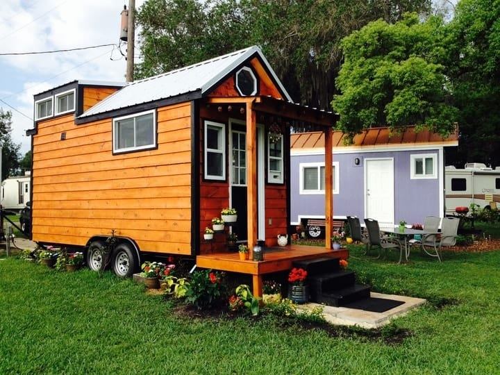 save money with tiny home