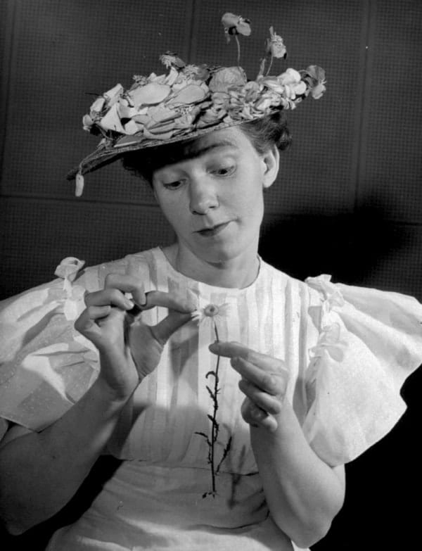 Minnie Pearl, celebrities that owned food chains