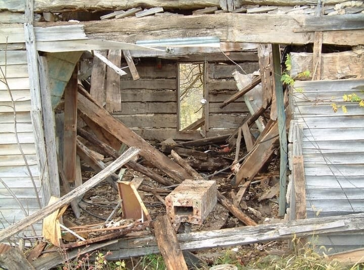 See how this 'Vegan Hillbilly' transformed a 200 year old shack into his dream home