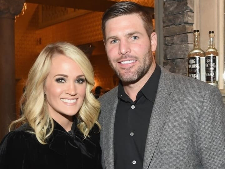 carrie underwood, mike fisher, wage gap