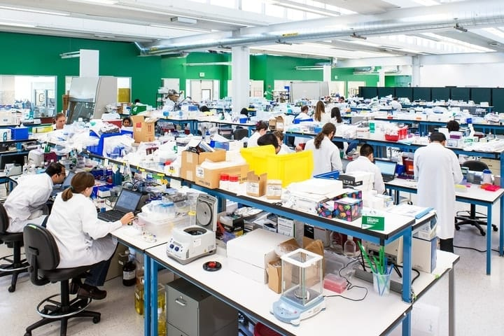 Theranos lab, workplace conditions
