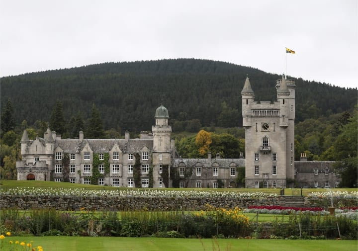 Balmoral Castle, royal family homes
