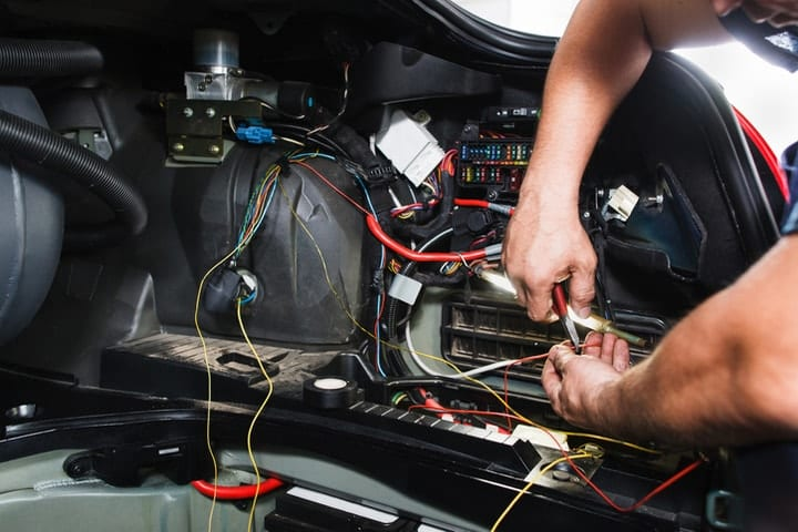 dying professions, Motor vehicle electronic equipment installers