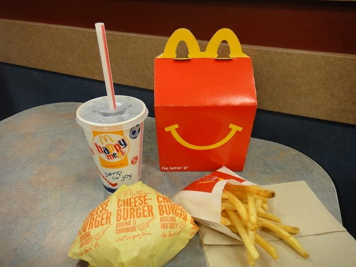 McDonald's Happy Meal, fast food scandals