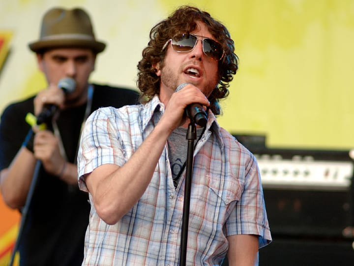 Elliot Yamin performs as part of the 10th Annual KIIS FM Wango Tango 2007 at the Verizon Wireless Amphitheater in Irvine, California.