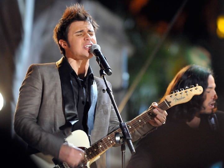 American Idol winner Kris Allen performs at Fox's Billboard's New Years Eve Live at Mandalay Bay Beach at the Mandalay Bay Resort & Casino on December 31, 2009 in Las Vegas, Nevada.