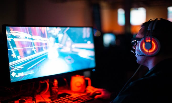 Want the ultimate dream job? Here's how to be a professional gamer