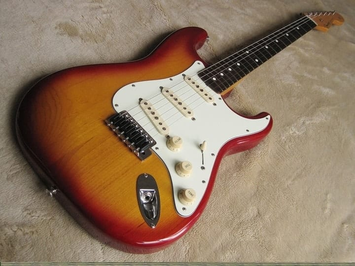most expensive items featured on Pawn Stars, 1961 Fender Stratocaster guitar