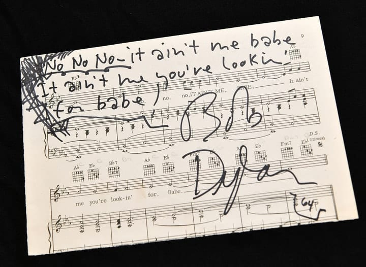 valuable autographs, Bob Dylan
