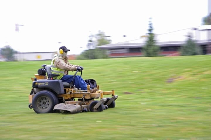grounds maintenance workers, most dangerous jobs