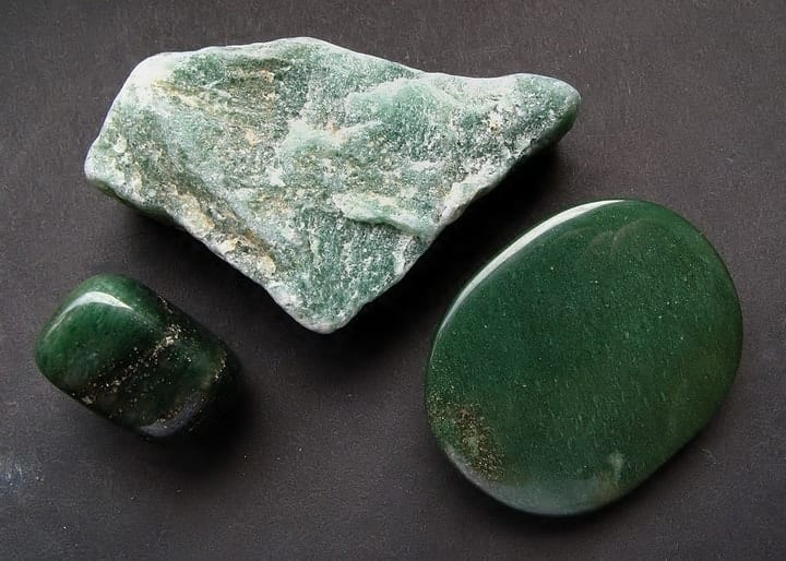 Green aventurine, crystals for gaining abundance