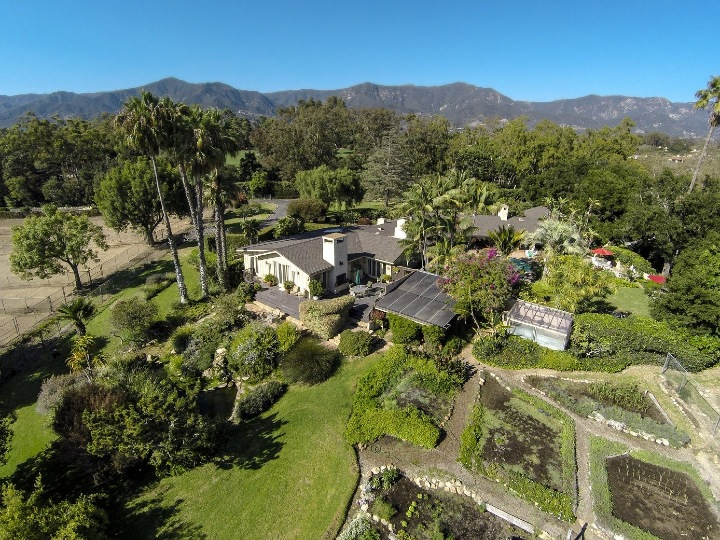 Oprah, ranch home, extra house, more property