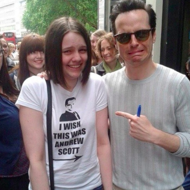 Andrew Scott and a fan