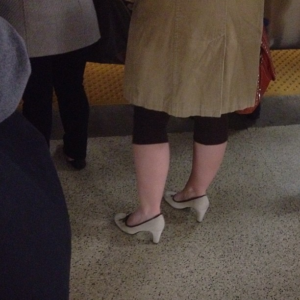 fashion trends that makes you look older, kitten heels